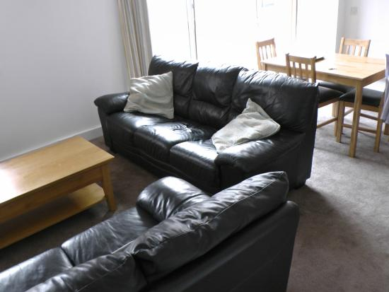 Town or Country Serviced Accommodation: Lounge of an apartment - nice sofas!