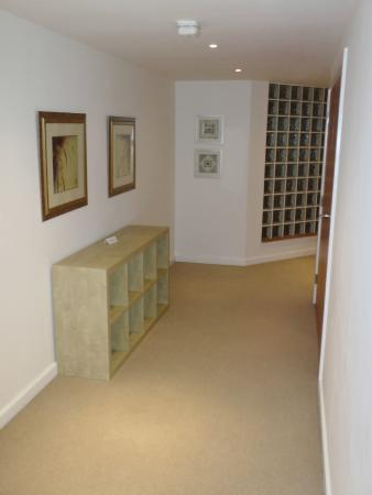 Town or Country Serviced Accommodation: Hallway area