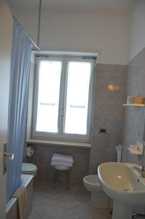 Hotel Biancamaria: baño
