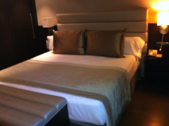Catalonia Rigoletto : Bed