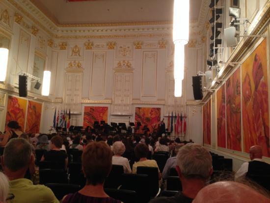 Wiener Hofburg Orchester: Vienna Hofburg Orchestra concert