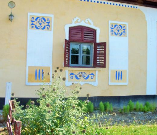 Crit, Romanya: Casa cu zorele