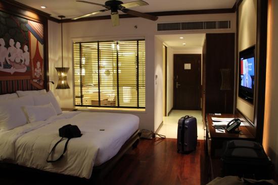 Chambre lit king size !! - Picture of Khao Lak, Phang Nga Province ...