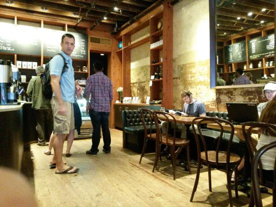 Mudhouse Coffee: interior