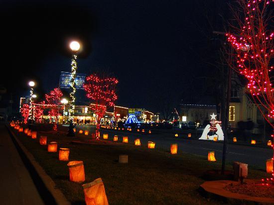 Luminary-Lit Chesaning Boulevard