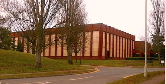 Letchworth, UK: Entrance to North Herts Leisure Centre