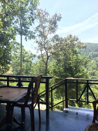 Ella Highest Inn: View from terrace