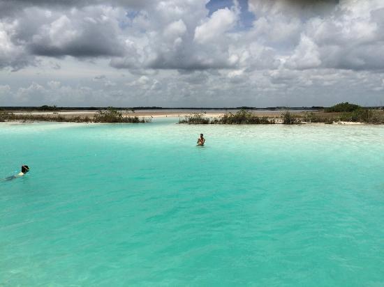 Laguna Azul Bacalar