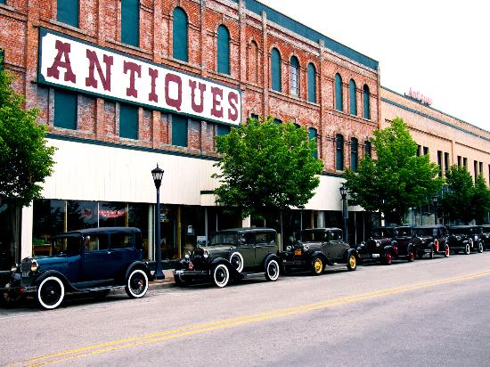 Bay City, MI: Michigan's Largest & Finest Antique Mart, Bay Antique Center