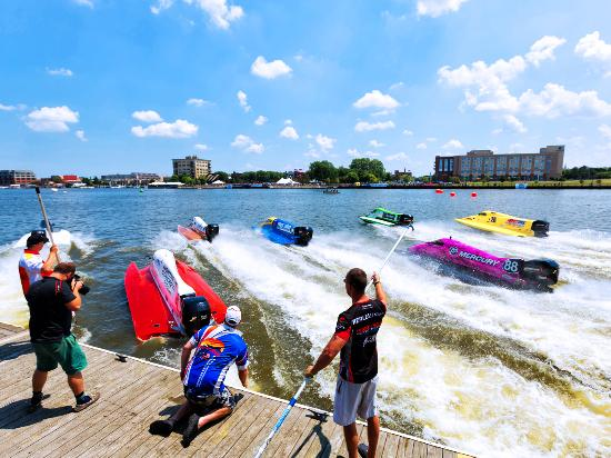Bay City River Roar Professional Powerboat Racing
