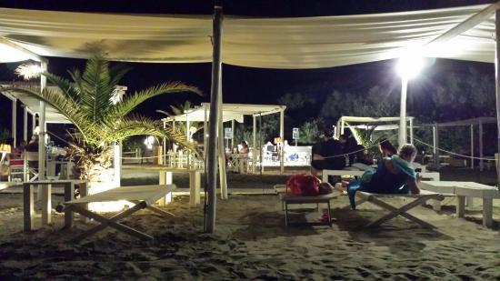 Scorcio della sala sulla spiaggia con musica live picture of bagno vittorio emanuele - Bagno vittorio emanuele calambrone ...