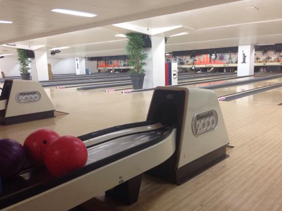 bowling front de seine paris frankrig anmeldelser. Black Bedroom Furniture Sets. Home Design Ideas