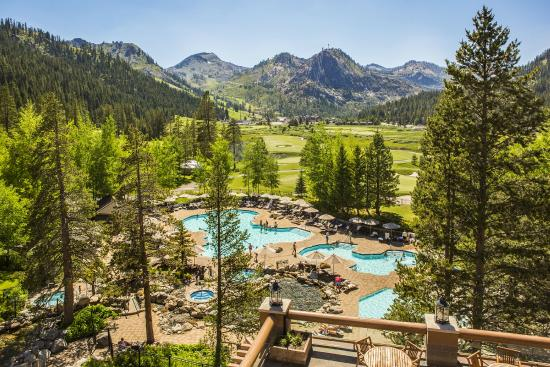 Resort at Squaw Creek: Pools with mountain views