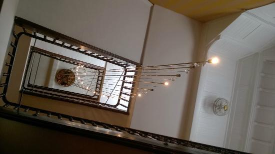 une jolie cage d\'escalier - Bild von Hotel Palmenwald Schwarzwaldhof ...
