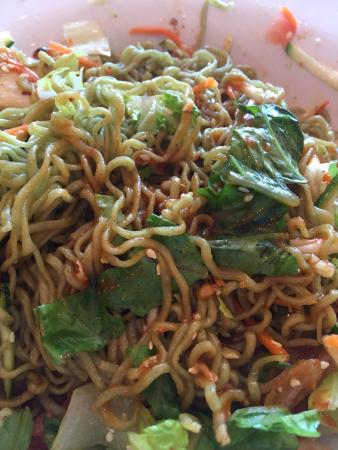 The Happy Bamboo: Green noodle salad with tofu all mixed up with some Sriracha sauce!!