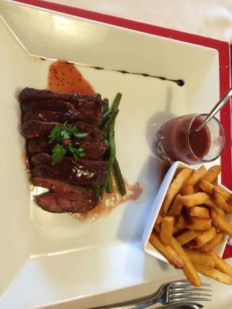 La Table du Trappeur : Magret de canard sauce à la framboise