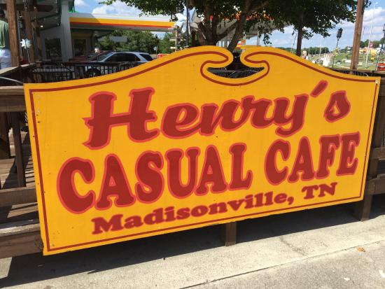 Henry's Casual Cafe: photo0.jpg