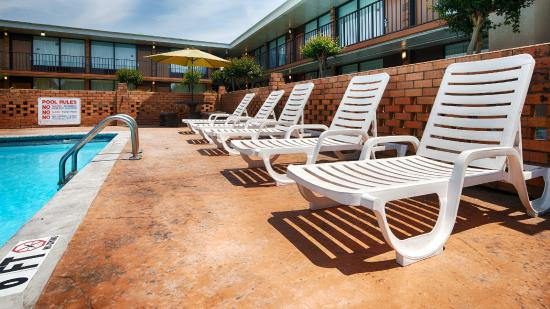 BEST WESTERN Greenville Airport Inn : Pool