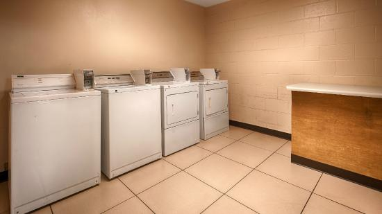 BEST WESTERN Greenville Airport Inn : Guest Laundry