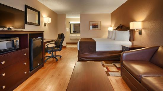 BEST WESTERN Greenville Airport Inn : One King Bed Guest Room
