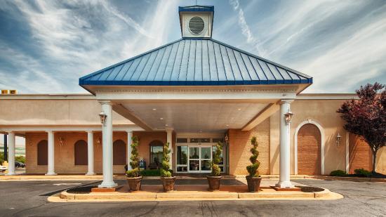 Best Western Greenville Airport Inn: Exterior