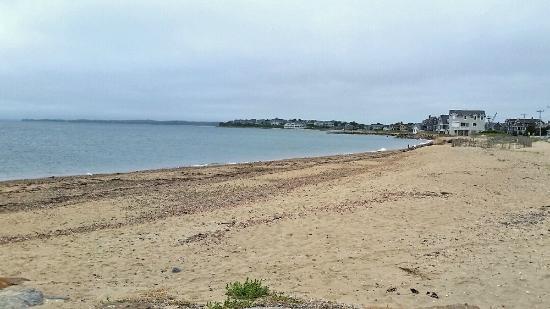 InnSeason Resorts Surfside: Beach across from Innseason Resort Surfside