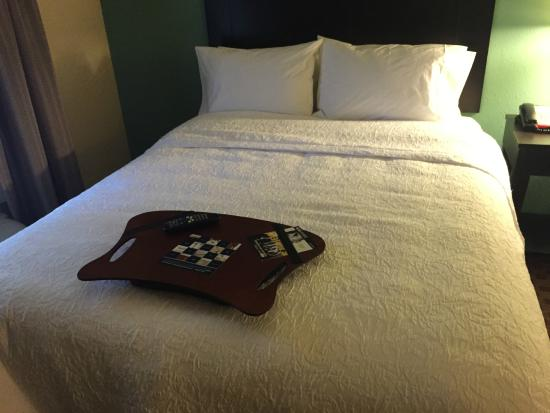 Hampton Inn: Comfortable bed