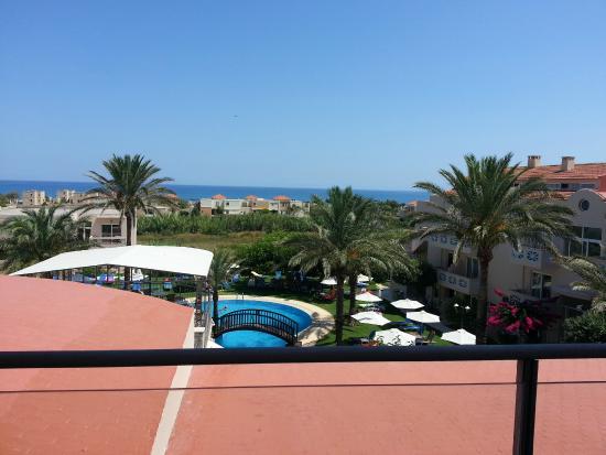 Selini Suites : Vista dal balcone