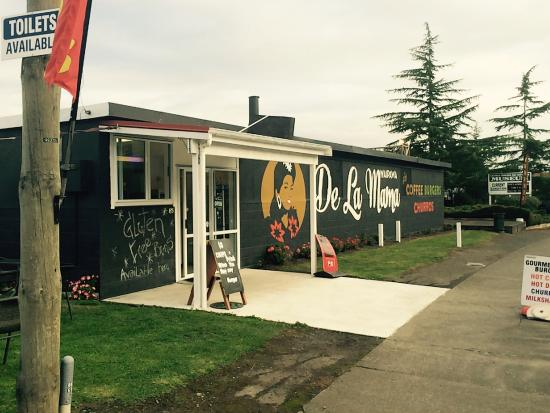 You can find delicious Gourmet Burger, Spanish Churros and Great Coffee. In Waipawa is the place