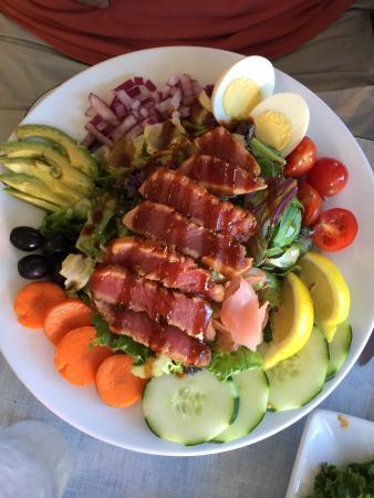 Princeton Seafood Company : Fantastic tuna salad, lovely grilled salmon. Friendly staff.