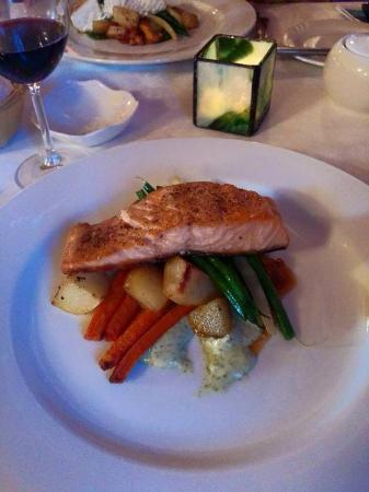 Sugar Hill Inn: Fresh salmon