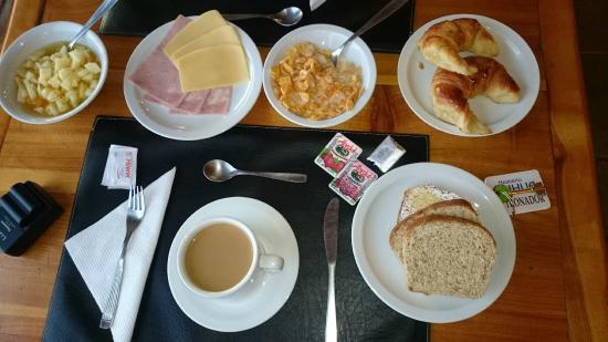 Hosteria Rihue: Desayuno BUFFET