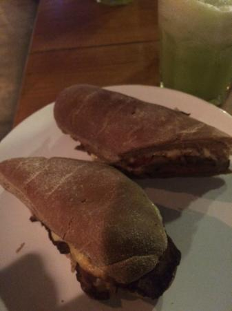 Cafe Bamboo: Sanduíche golden coast
