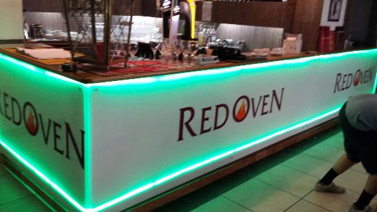 Red Oven: Bar
