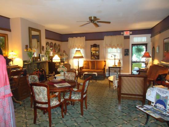 The Dormer House: Sitting Room
