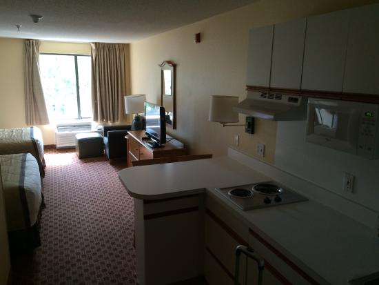 Extended Stay America - Kansas City - Overland Park - Nall Ave: Long view