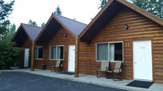 Crooked Tree Motel and RV Park: Cabins