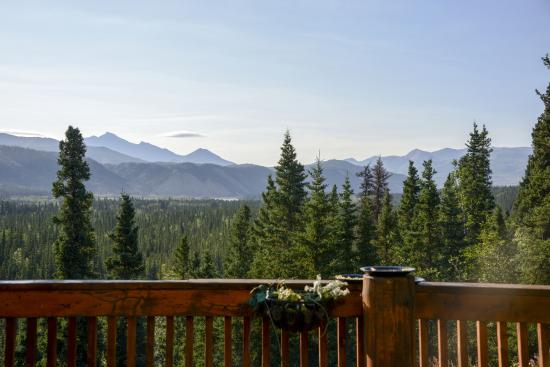 Denali Faith Hill Lodge: View from the breakfast area