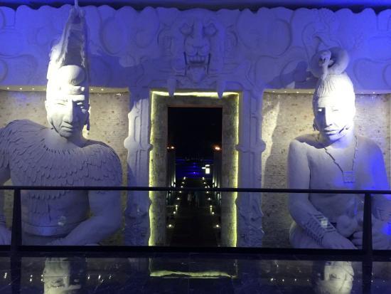 The Grand Mayan at Vidanta Los Cabos: The guardians