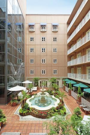 Namba Oriental Hotel: 4th floor patio