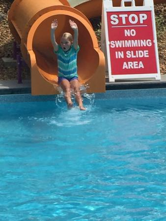 Mountain Lake Campground and RV Park : So much fun on the slide