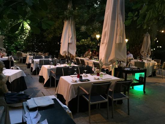 Las cenas de cien llaves en la temporada de verano for Restaurante casa america terraza