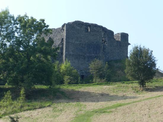 Kendal, UK: Castle from Bottom of Hill