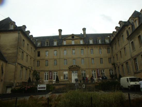 Foto de Museo del Tapiz de Bayeux, Bayeux: Bayeux Cathedral - TripAdvisor