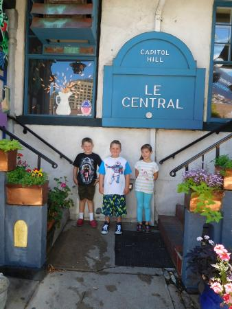 Le Central: The picturesque entrance to the restaurant