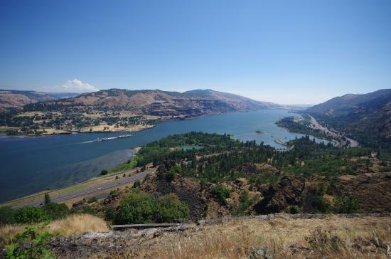 Mosier, OR: View looking East