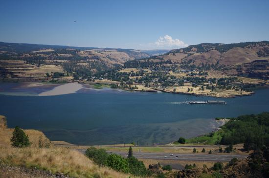 Mosier, OR: View looking North