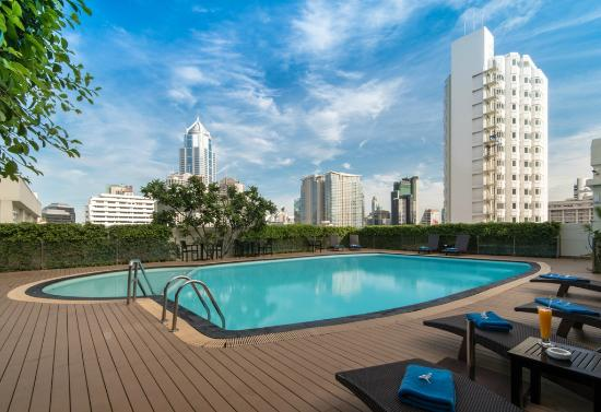 Lohas Residences Sukhumvit: Swimming Pool