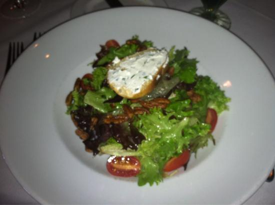 Gardens Restaurant at Callaway Gardens: Beautiful dinner salad!