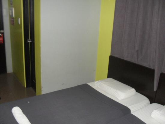 North Zen Basic Spaces: room